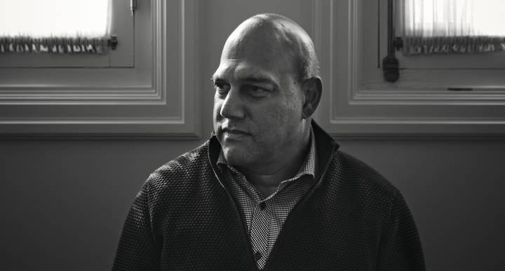 """Visión y tecnología Salim Ismail: """"La energía solar provocará el mayor cambio sistémico que verá nuestra generación"""" Por  Manuel G. Pascual"""