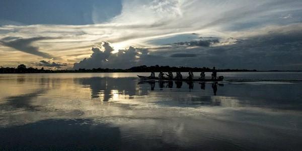 Minería traga tierras indígenas  La ambición minera cubre el mapa de Brasil La minería representan una amenaza real para las áreas protegidas en la Amazonía Legal, donde se encuentra el 98% de los territorios indígenas ya reconocidos de Brasil